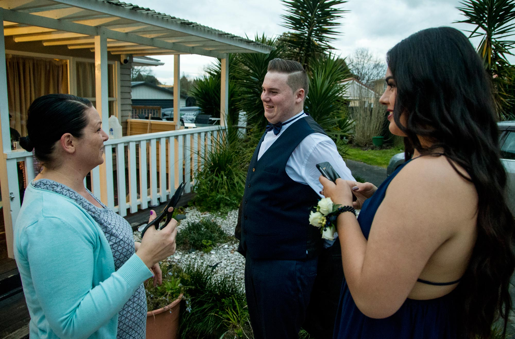 under the bridge the story of a year inside papakura high